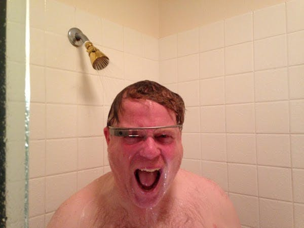 scoble_shower
